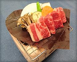 牛肉の朴葉焼の写真